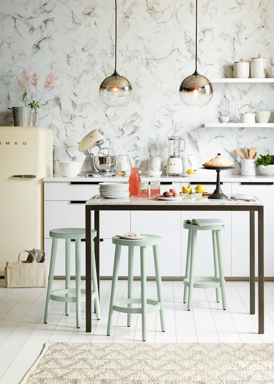 Grab a Seat: Find the Right Kitchen Stools