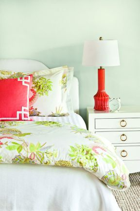 A green and orange color scheme forms a dynamic, retro look when used together.
