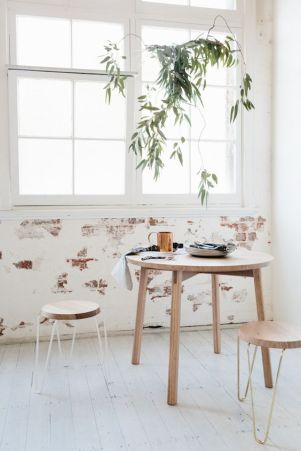 A minimal breakfast nook.