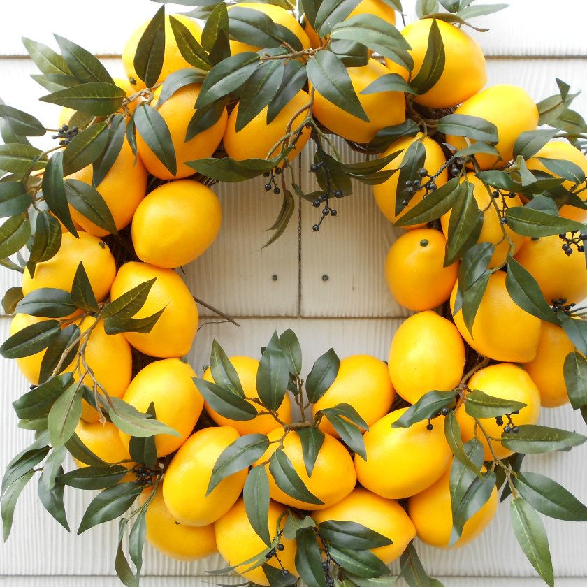 DIY Citrus Wreath5.jpg