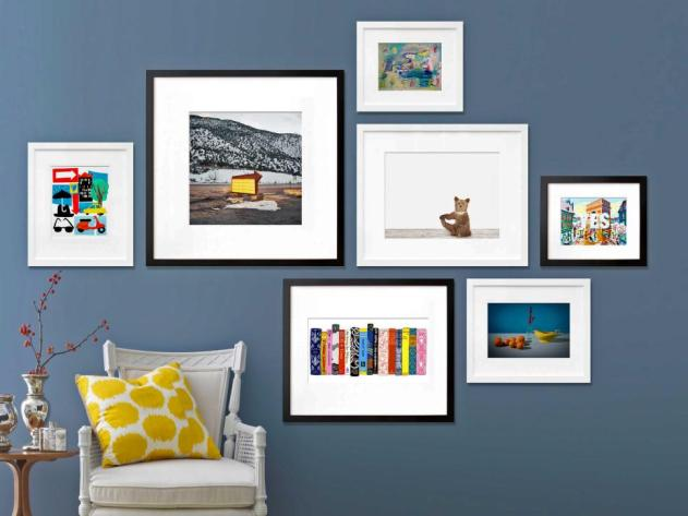 Original_Jeanine-Hays-Gallery-Wall-3-20x200-Blue-Wall-White-Frames_s4x3.jpg.rend.hgtvcom.966.725