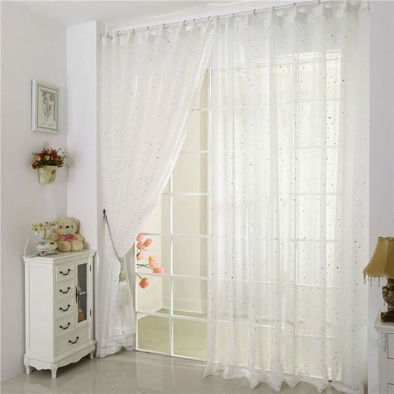 White-patterned-curtains-are-cute-Jd1237522543-1