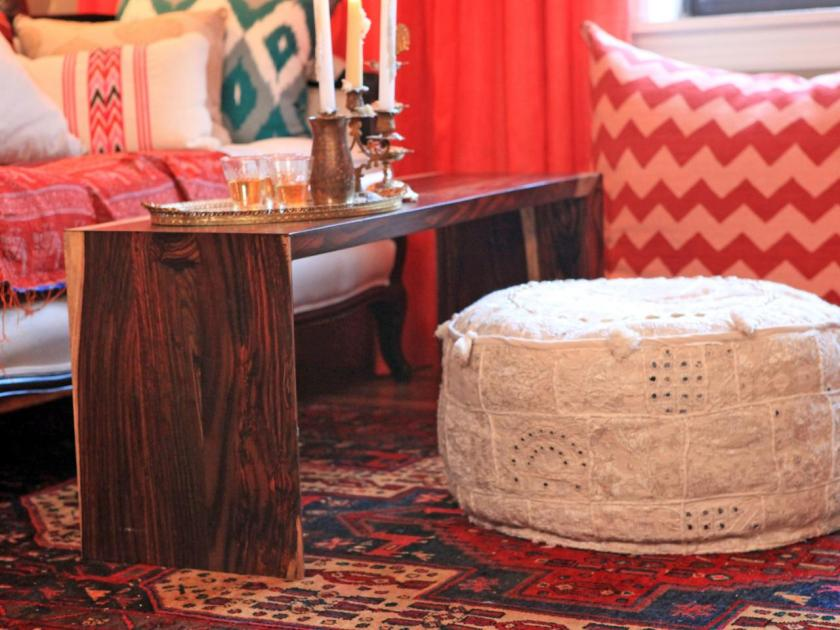 HDGEN506_red-living-room-detail-knit-pouf_s4x3.jpg.rend.hgtvcom.1280.960