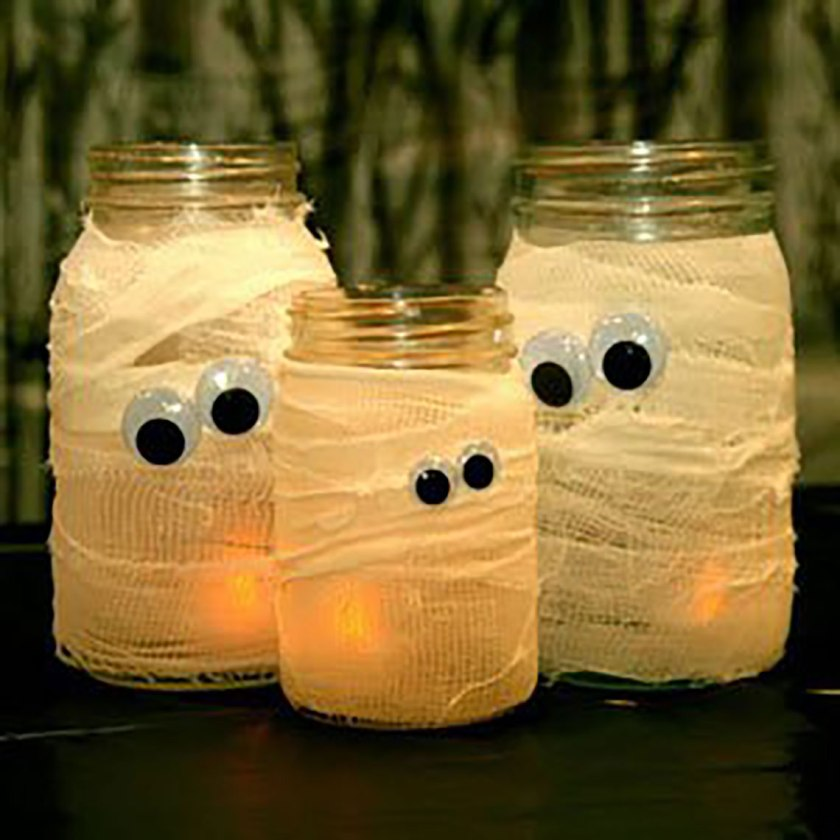 halloween-candle-mummy-mason-jars