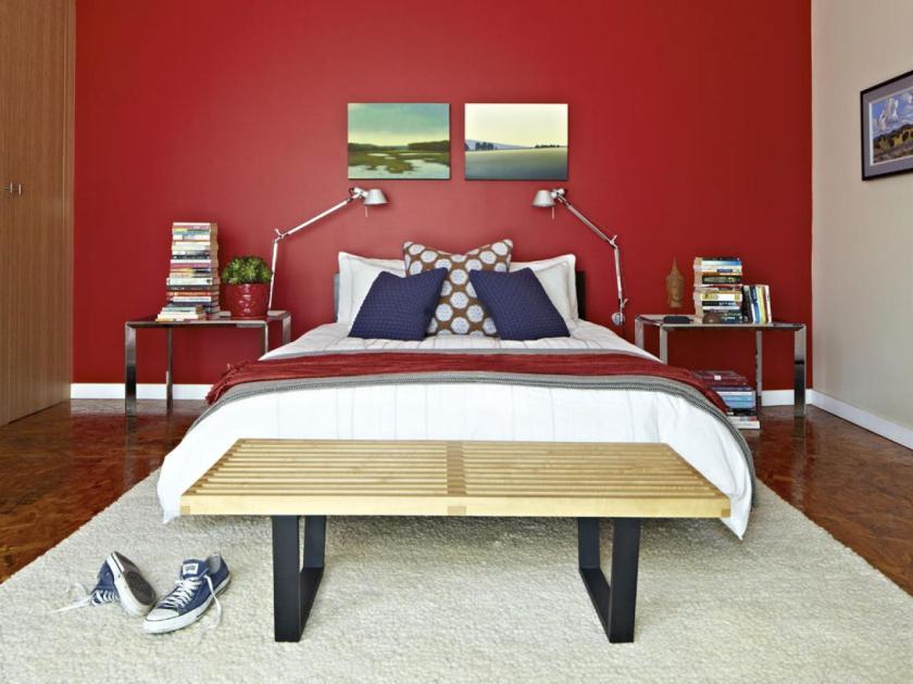 original_brian-patrick-flynn-mark-taylor-bed-wall_4x3-jpg-rend-hgtvcom-1280-960