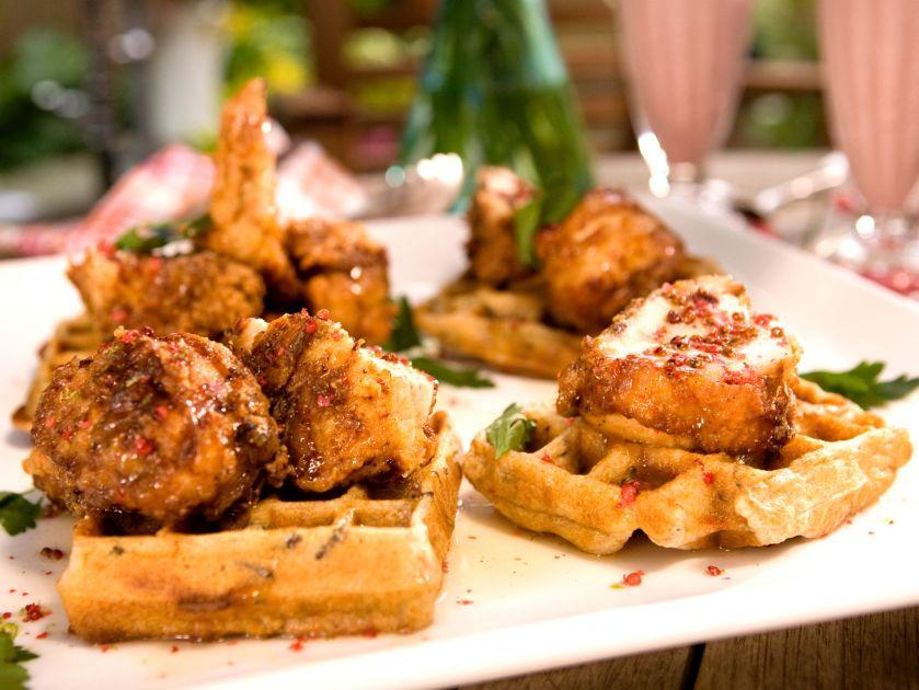 ccbab209l_fried-chicken-waffles_s4x3-jpg-rend-sniipadlarge
